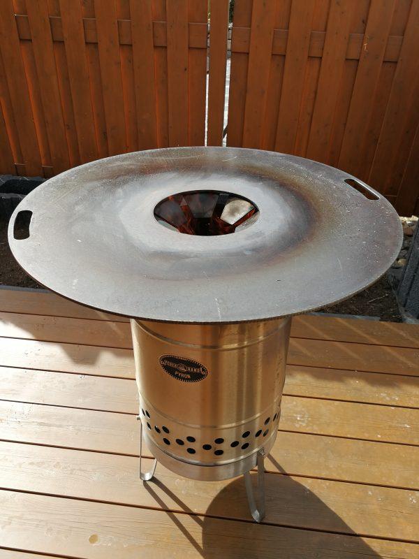 feuerplatte f r feuertonne und feuerhand pyron outdoor kochen l beck. Black Bedroom Furniture Sets. Home Design Ideas