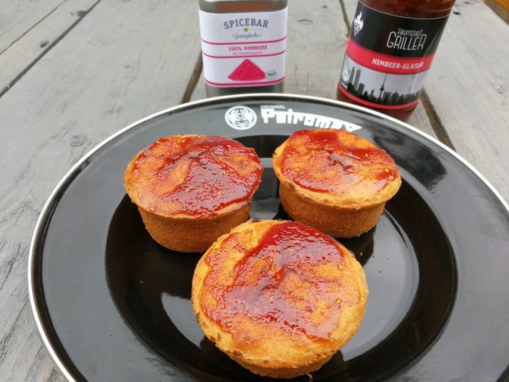 himbeer muffins aus der petromax muffinform mf6 outdoor kochen l beck. Black Bedroom Furniture Sets. Home Design Ideas