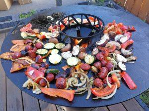 Grillgemüse mit Chorizo von der Feuerplatte
