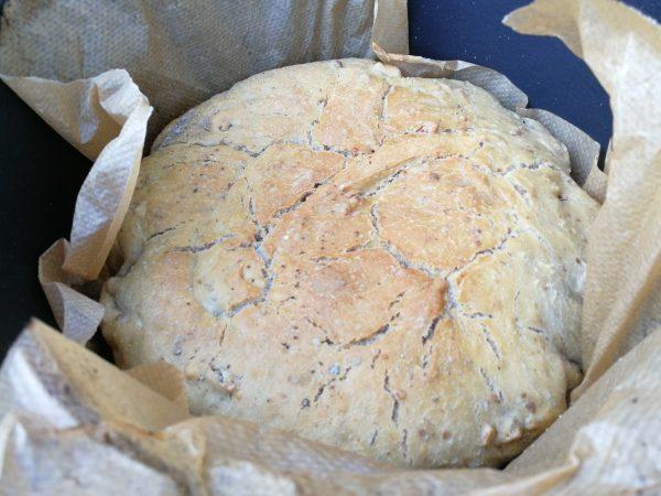Walnuss-Brot aus dem Dutch Oven