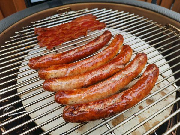 Nudelauflauf mit Bacon, Hack und Würstchen